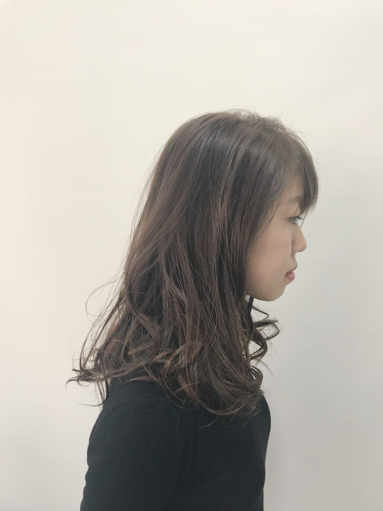 色⇨ヘアカラー、髪質⇨ヘアケアの2面からのツヤづくり!上質な雰囲気への質感メンテナンス!